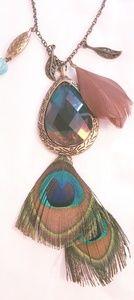 "Jewelry - 28.5"" Bronze tone pendant, feather necklace. EUC"